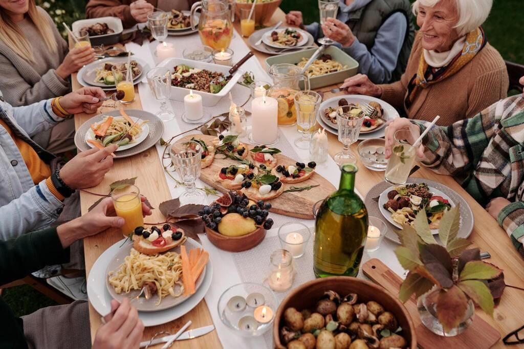 organiser un évènement dans la Creuse - le chalet des Pierres Jaumâtres - bar brasserie restaurant dans la Creuse - famille amis
