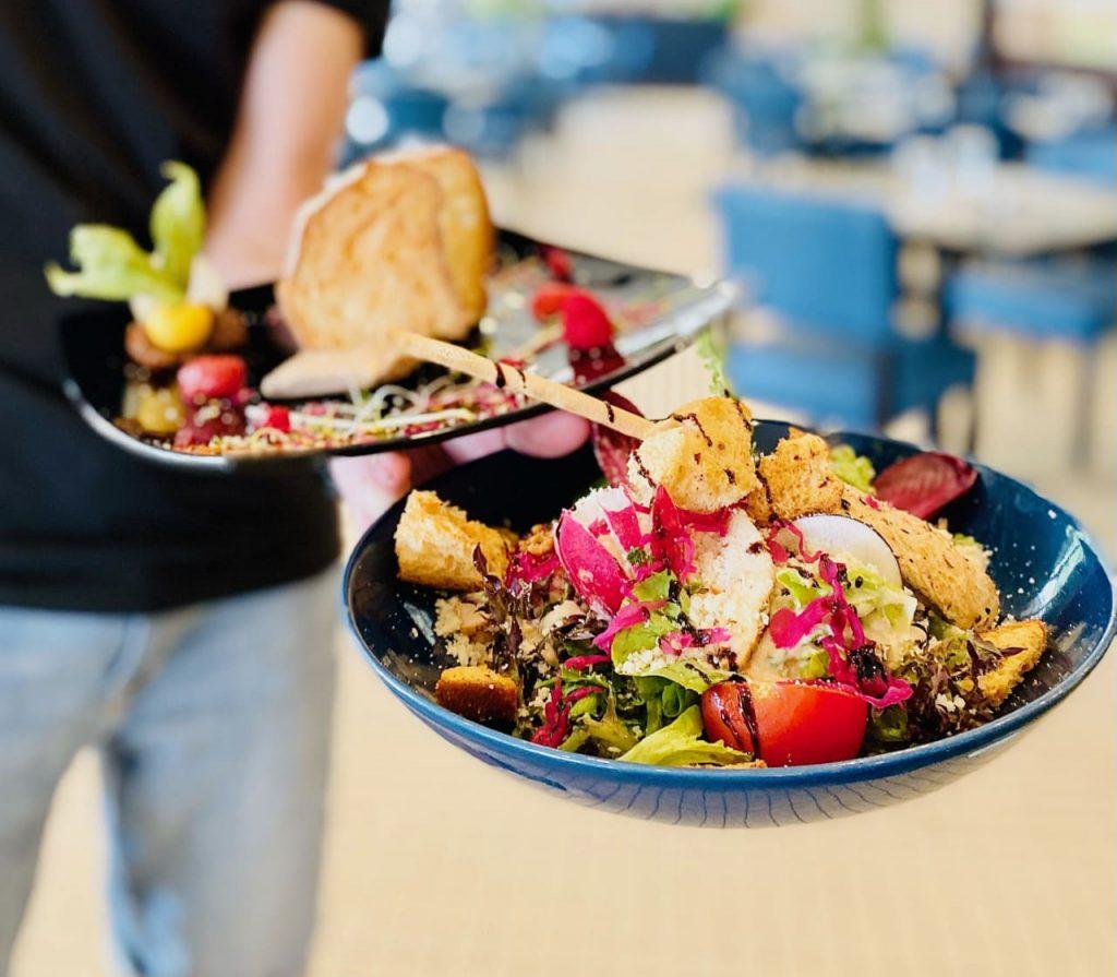 entrée foie gras et salade de poulet - restaurant le chalet des pierres jaumâtres - restaurant dans la Creuse